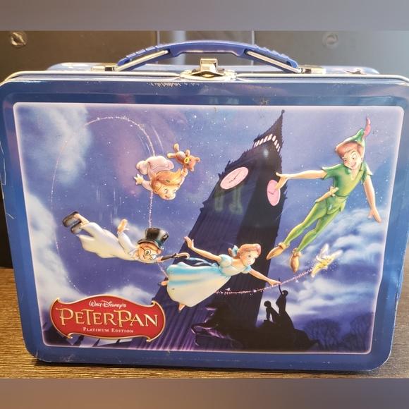 Walt Disney Peter Pan Tin Lunchbox Platinum Editio